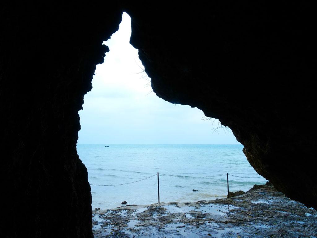 まるで海賊の秘密基地!石垣島の伊原間サビチ洞